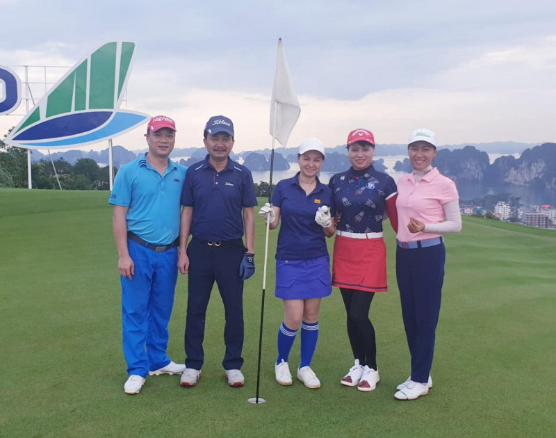 Hole-in-One-mung-Tet-Doc-lap (1)