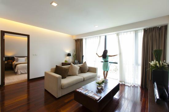 crowne-plaza-west-hanoi