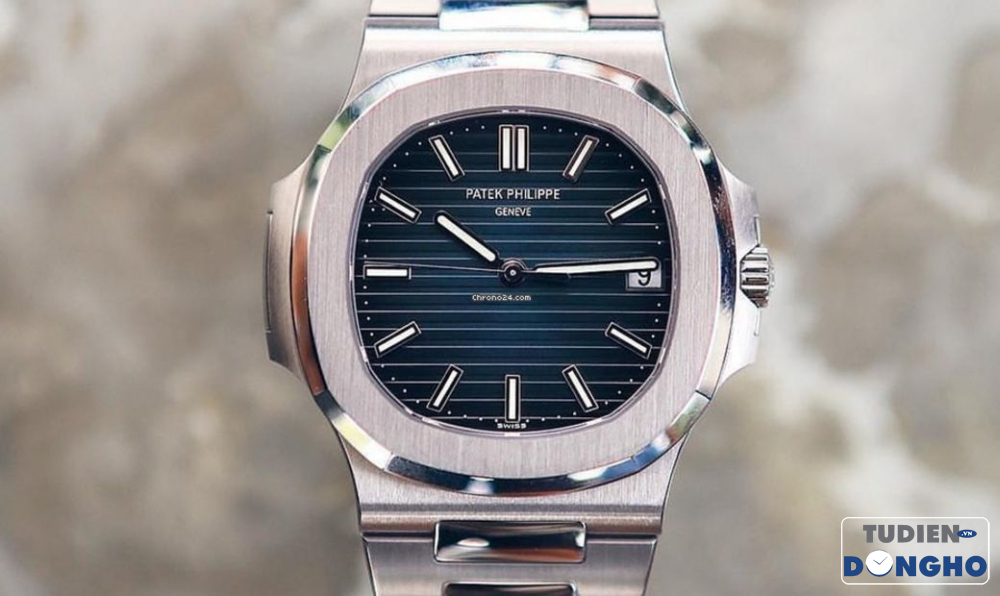 patek-philippe-new-nautilus-in-acciaio-5711-1a-blue-dial-watch