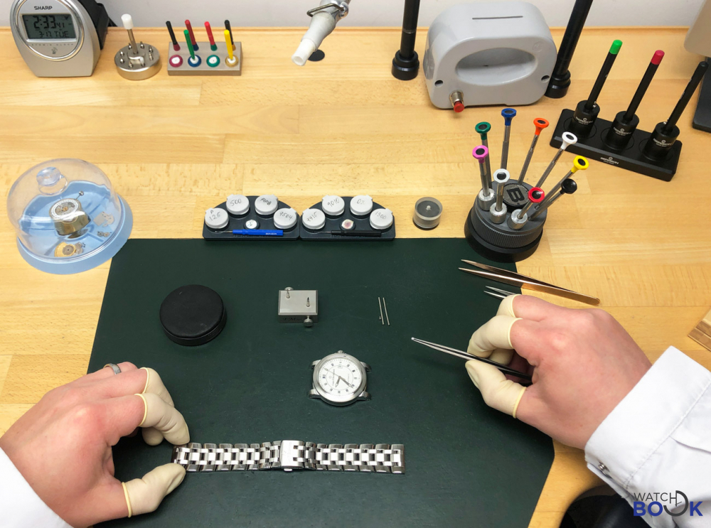 how-to-clean-wrist-watch-
