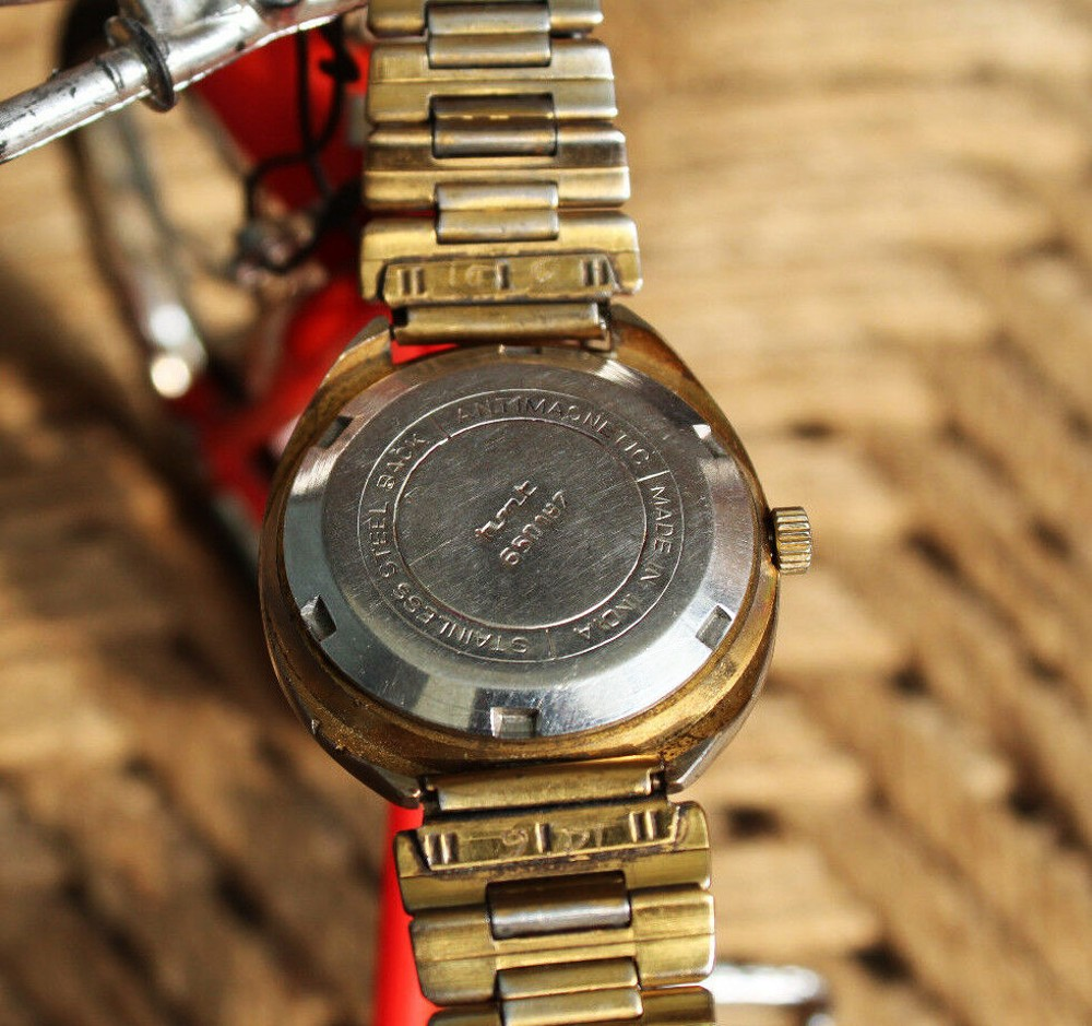 An-Do-vo-dich-dong-ho-co-co-sieu-re-199k-duoc-may-Citizen-xua-stainless-steel-back-plated-gold